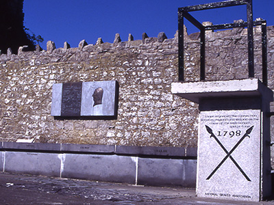 Kill Villagers Pilgrimages to Wolfe Tone's grave