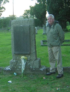 Paul White at Stephens grave.jpg