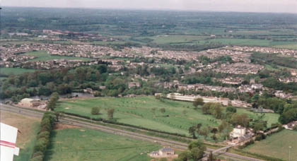 Aerial view of Leixlip-2000.jpg