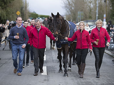 Huge Crowd Welcome Home Cheltenham Festival Winners